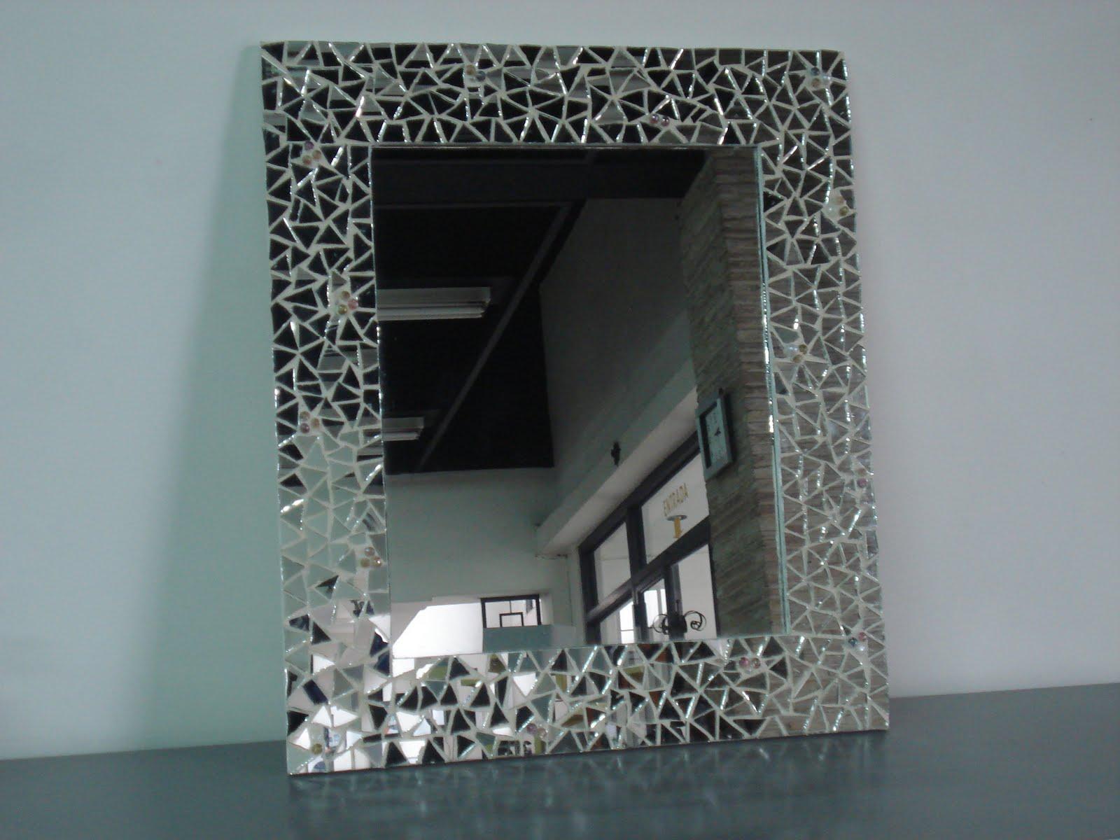 Cecilia qui ones espejo con mosaico de espejos for Espejos de diseno para entradas