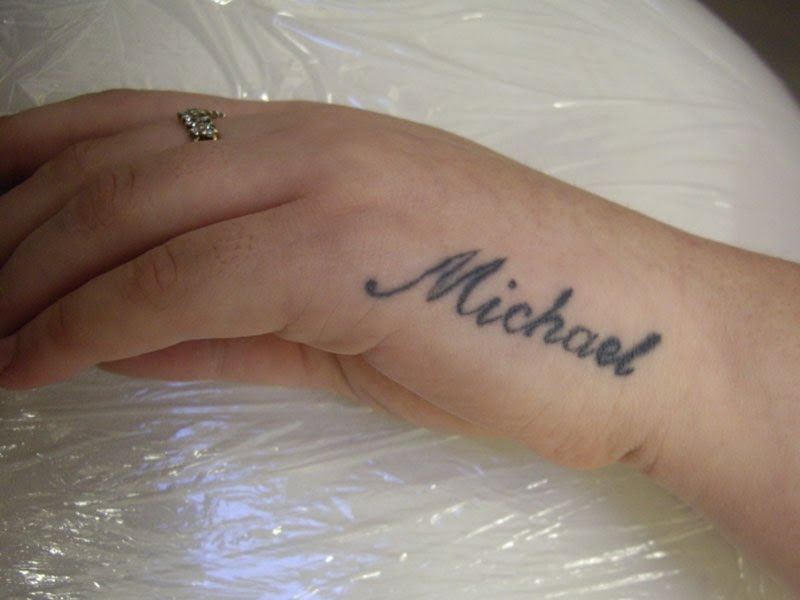 Name Tattoos On Hand