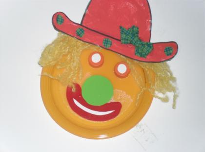 Máscaras com pratos de papel  Palha%C3%A7o