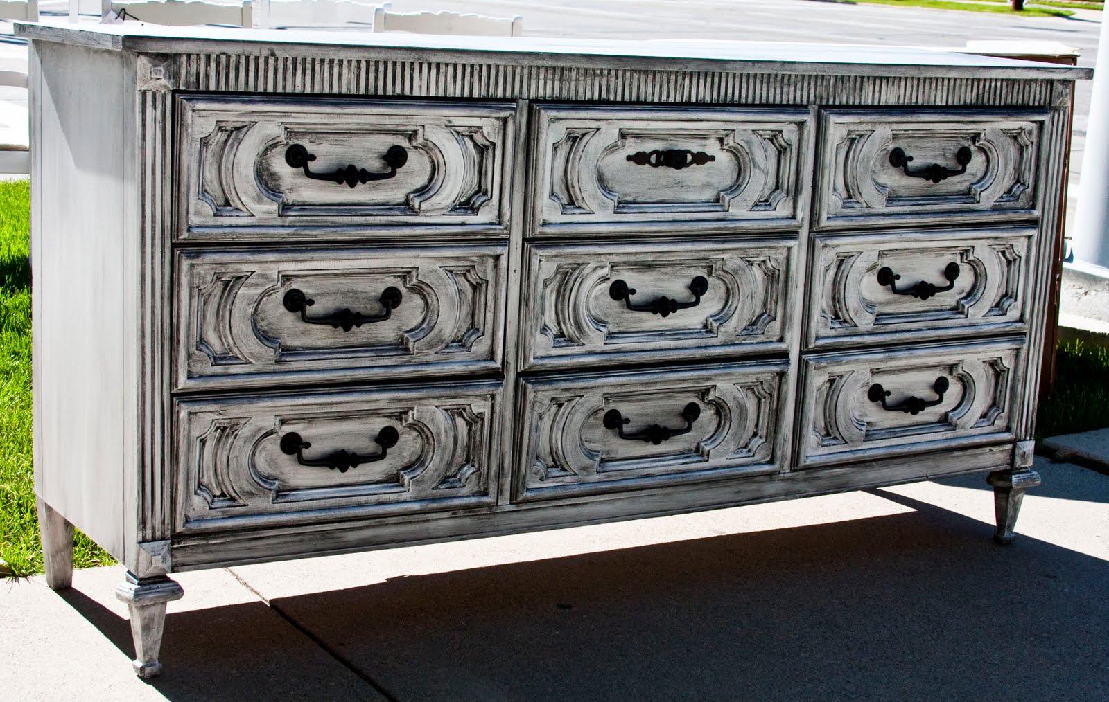 modernly shabby chic furniture 9 drawer white and black dresser. Black Bedroom Furniture Sets. Home Design Ideas
