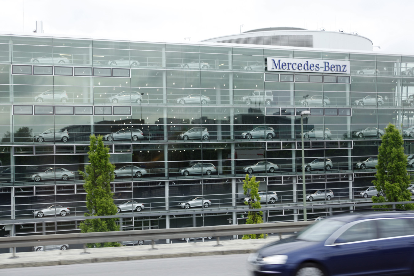 Wanderlust john bragg mercedes benz centre munich germany for Mercedes benz us headquarters
