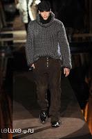 мужское вязание серый свитер