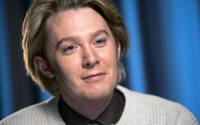 Clay Aiken finally admits he is gay