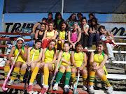 Posan para el blog las chicas de sexta y séptima categoría de Hockey. union hockey