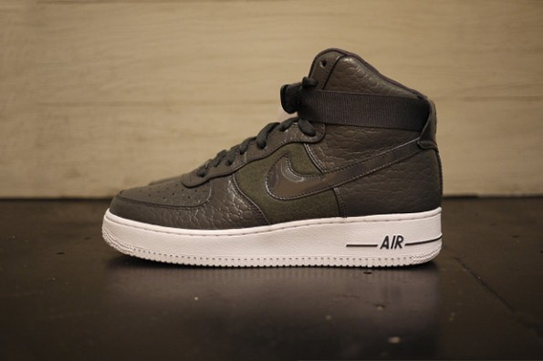 nike air force nere pelle