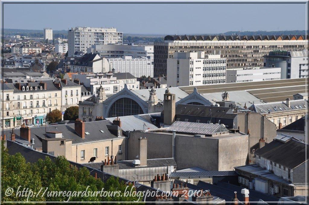 Un regard sur tours vue sur les quartiers sud est de tours for Ameublement tours