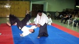 Durante examen de 5to. kyu en el Dojo de la Guardería, año 2007