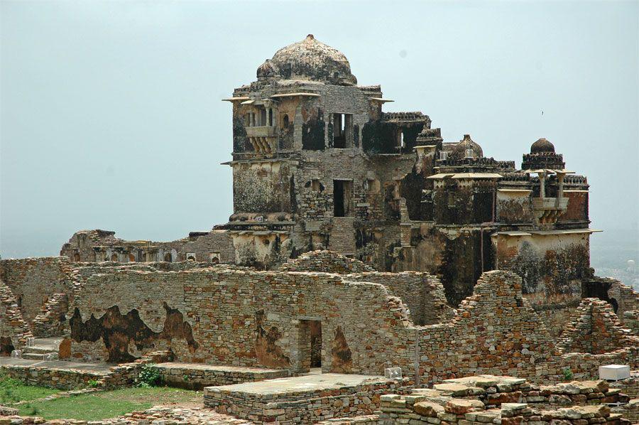 udaipur chitor fort-RanaKumbhaPalace-site of padmini Udaipur Fort