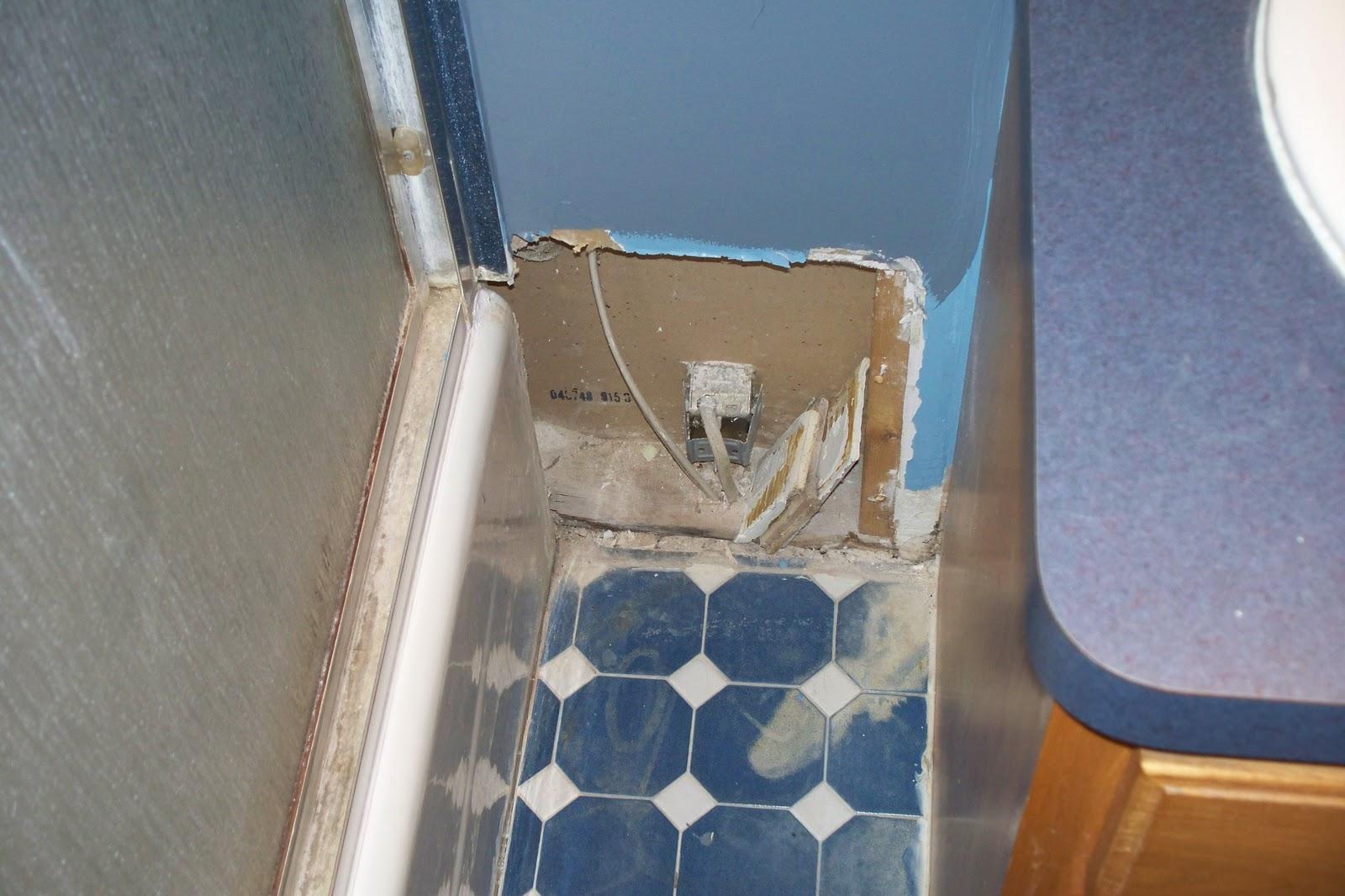 http://3.bp.blogspot.com/_an6Ktc3MBsc/TJ4NvgnNFGI/AAAAAAAABgw/nDbMkt59oBs/s1600/bathroom%2B006.jpg