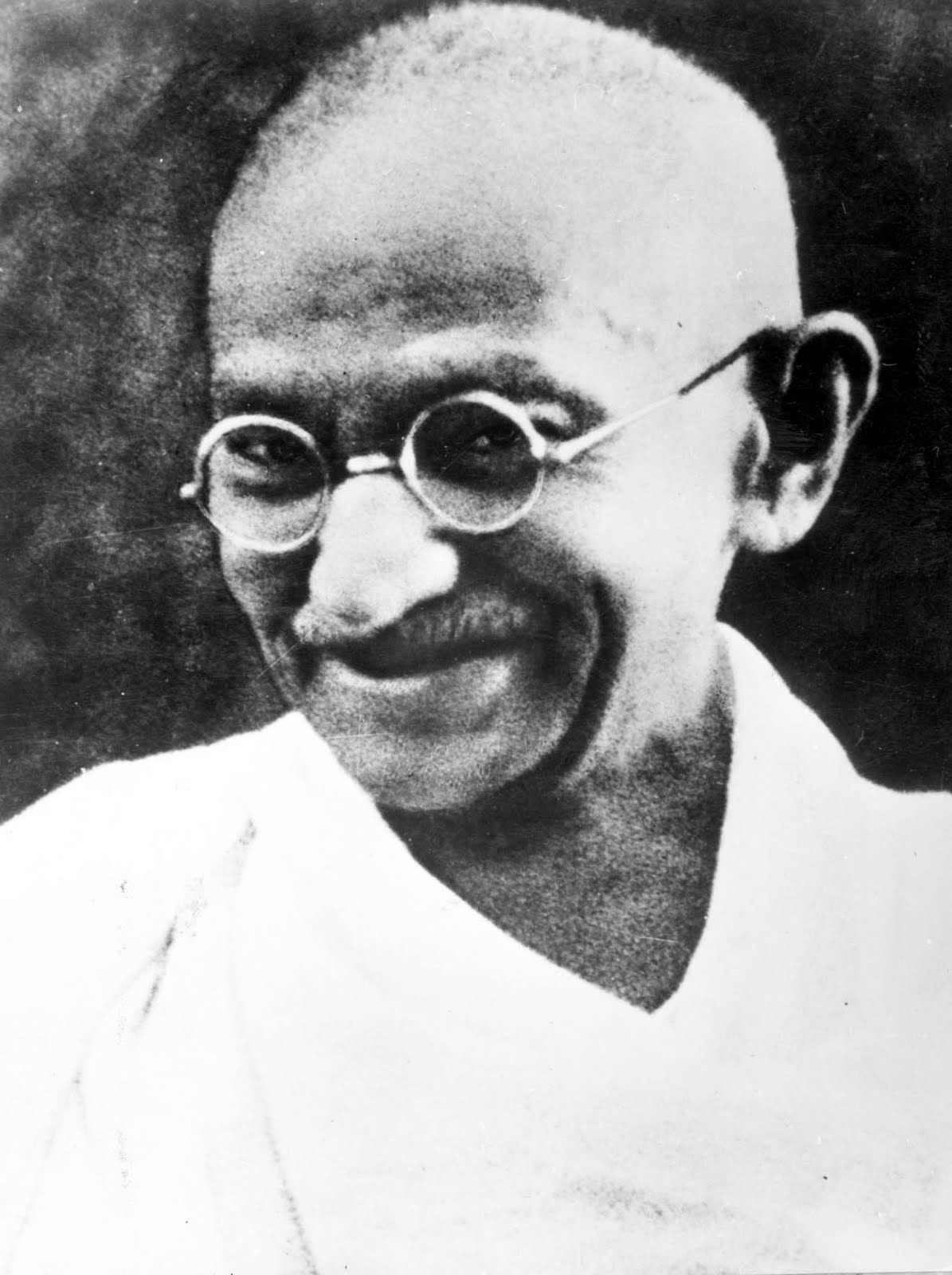 summary of waiting on the mahatma Waiting for the mahatma raises this question in the book the sin is both way one who follows political ideology thinking following his heart pays the price of.