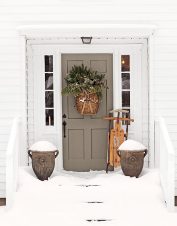 Living it at home welcoming front door decorations for Front door decor