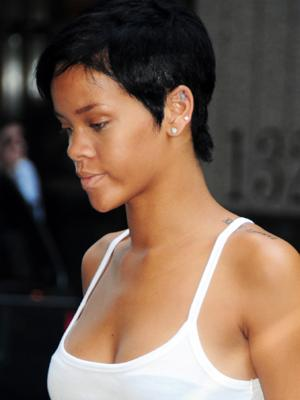 rihanna undercut hair. rihanna short hair styles 2010
