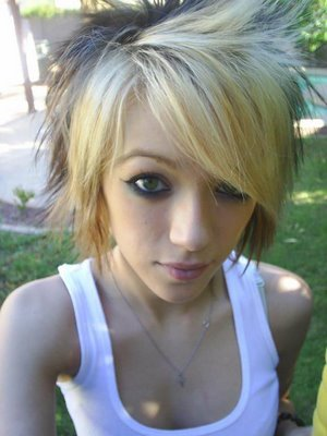 Cute Blonde Emo Hairstyles For Emo Fashion Models