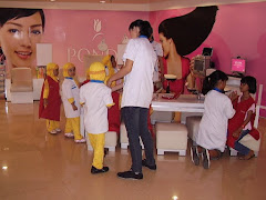 Smart Bee Kid as Beautician in KidZania