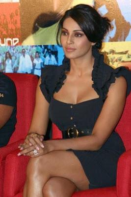 Bollywood actress bipasha basu naked pix