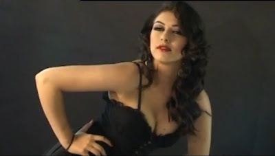 Midnight In India: Hanshika Motwani Hot Exposing her cleavage ...