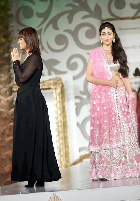 shriya saran on rfor bridal fashion week latest photos