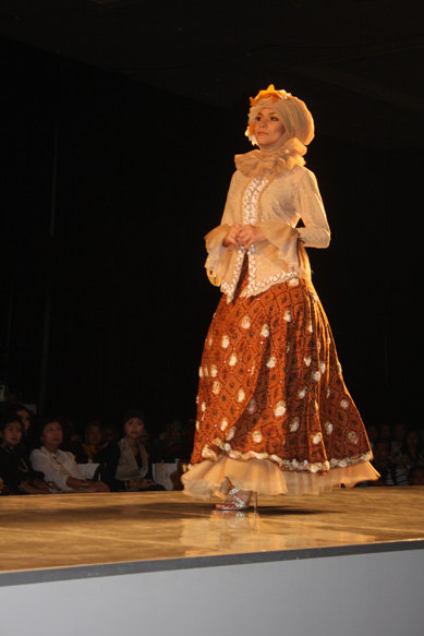 Vintage hijabi Retro style fashion for muslimah