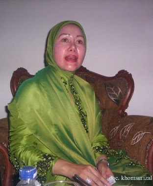 dosa airin rachmi dan ratu atut pd Alm Gub Banten Djoko Munandar