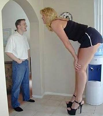 Giant tall women - 13Pics