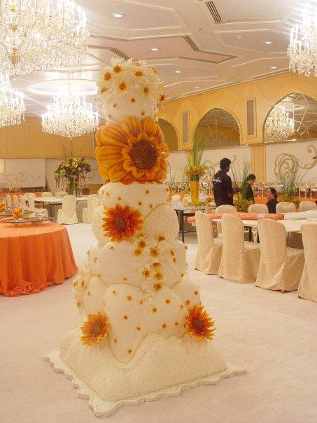 luxury wedding cakes. Black Bedroom Furniture Sets. Home Design Ideas