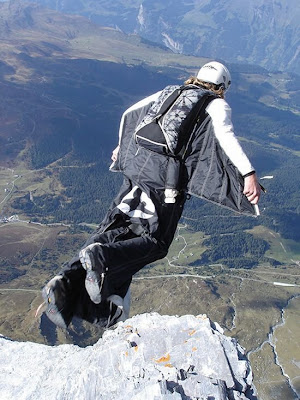 Skying suits 32pics curious funny photos pictures