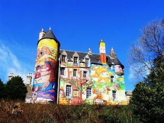 Castle graffitti
