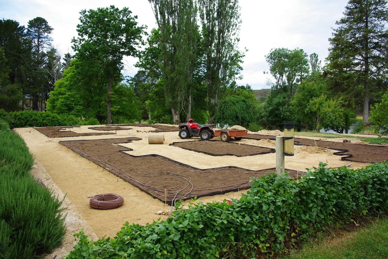 A beautiful space parterre garden for Garden parterre designs