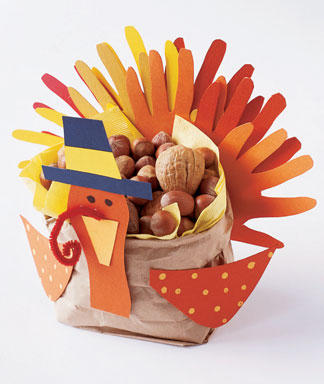Thanksgiving Craft Ideas Adults on The Hand Traced Turkeys  I Found Two Fun Craft Ideas For Kids