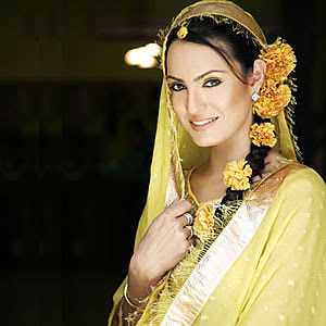 pakistani dress - ~Mehndi Dresses 4 Dulhan ;;)~