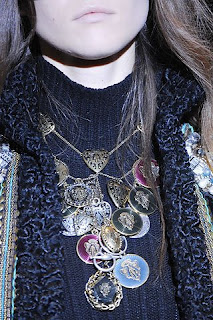 gucci statement necklace