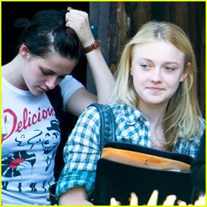 Dakota Fanning Kristen Stewart on Degli Scatti Interessanti Del Duo Kristen Stewart Dakota Fanning