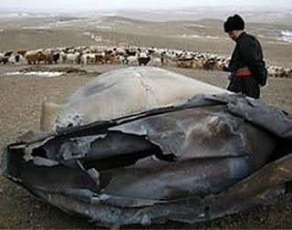 ovni ufo cae en mongolia objeto extraño asia metal metorito