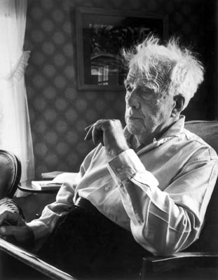 the early life and influences of robert frost Biography of robert lee frost  because of their background and other influences robert frost is a great example of a poet  robert frost illustrates life,.