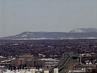 Sierras al Este de Montreal?