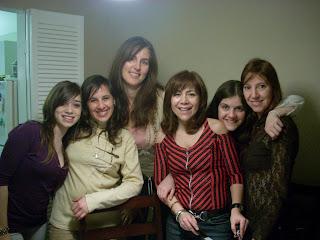 Las chicas posan para una foto