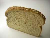 Pan lactal 12 granos, $3.20 los 675g (15 rodajas)