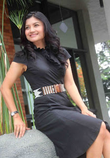 Hot Tina Talisa, presenter TvOne Gallery Artis