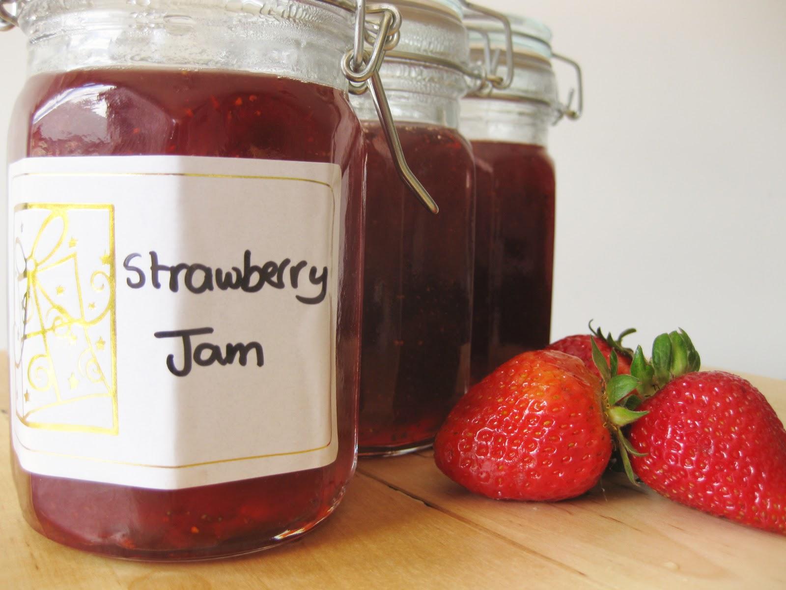 Sweet Cherrie Pie: Perfect Christmas Gift - Homemade Strawberry Jam