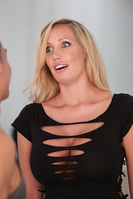 Hot and bold fashion Jenna Bentley New look of Her Black T-shirt