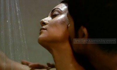 Indian Actress Shusmita Sen Sexy Kiss With Hot Boy 9