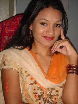 Desi Cute Girls Pictures Gallery 1