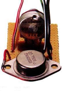 variateur de lumiere pour lampe 12 volte detecteur de metaux micro schema electronique schema. Black Bedroom Furniture Sets. Home Design Ideas