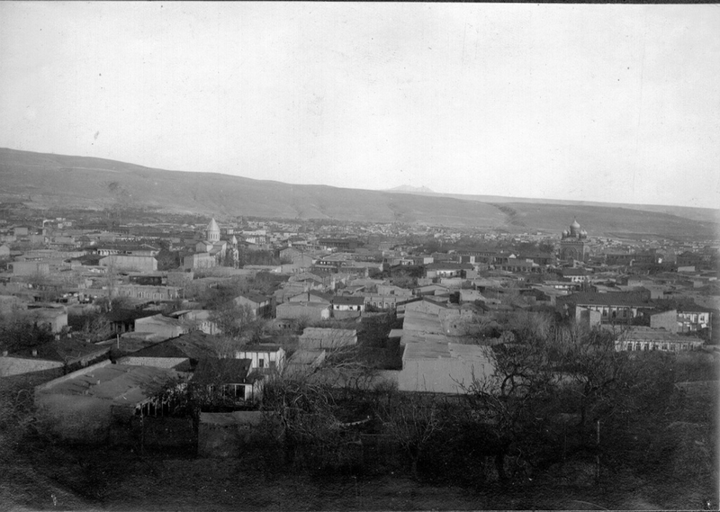 800px-View_of_Yerevan_in_the_1920s.png
