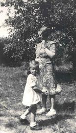 Irena and her daughter - Janka