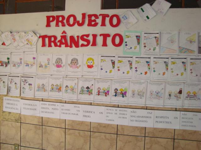 Escola municipal geuza costa abreu grupo intera o for Mural sobre o transito