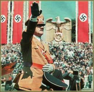 http://3.bp.blogspot.com/_bFFGWvFhbmI/SYSr-GzMtVI/AAAAAAAAAB8/cS2hzOmKcmA/s320/nazi_parade_23_03_05.jpg