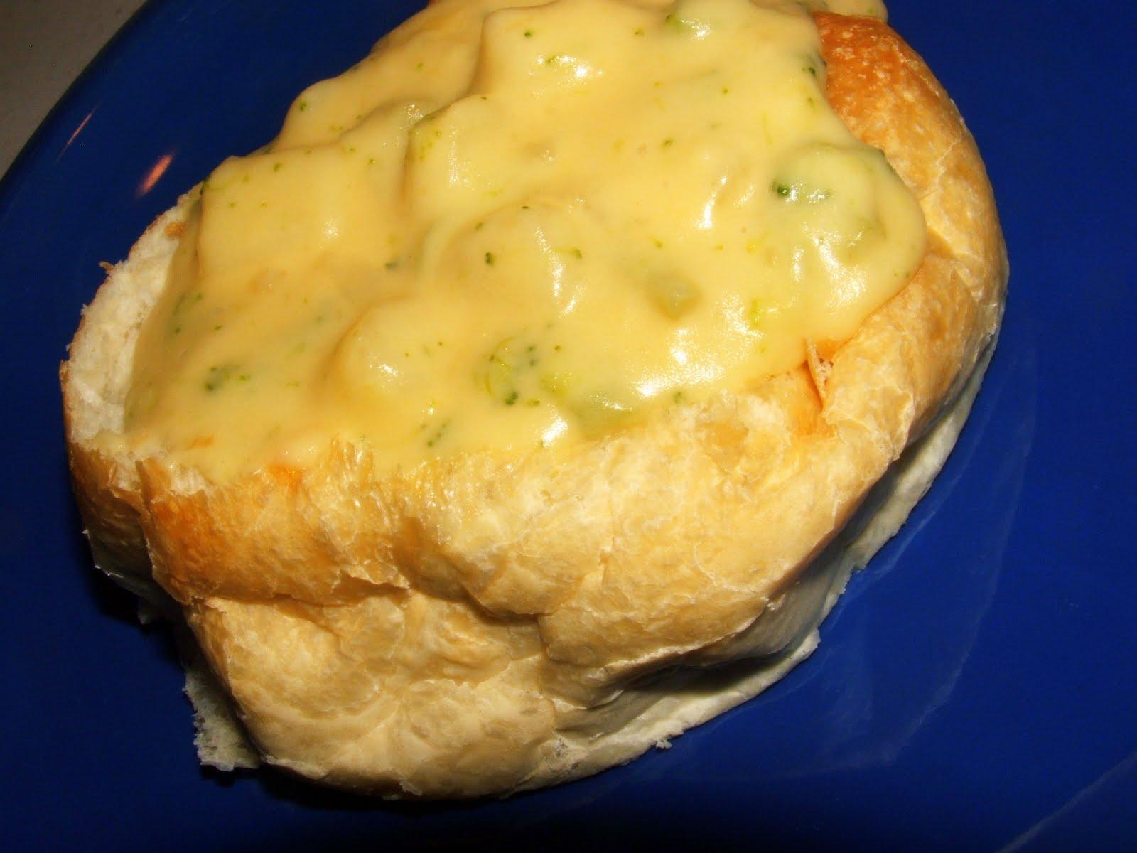 Eat Your Veggies, Peas.: Cheesy Potato Broccoli Soup [FAVE!]