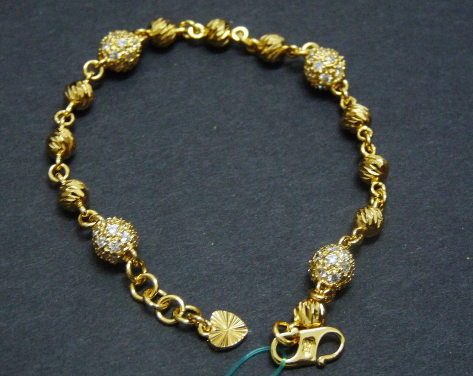 Dunia Zhulian Dunia Keemasan Gelang Emas Zhulian Gold Plated
