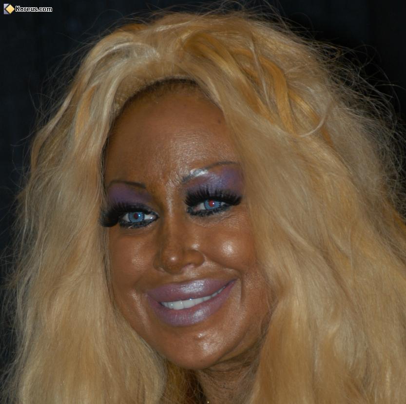 Les 10 erreurs ne surtout pas commettre en maquillage hein les stars beauty licieuse - Betegeld model van zijn miss bad ...
